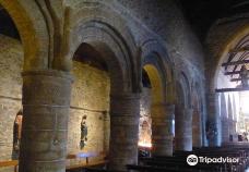 'Eglise de Saint Jacques-佩罗斯-吉雷克